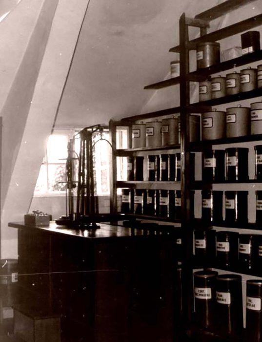 Ausgangsstoffe für die Arzneiherstellung um 1950