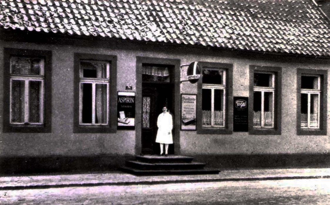 Apotheke am Marktplatz um 1935